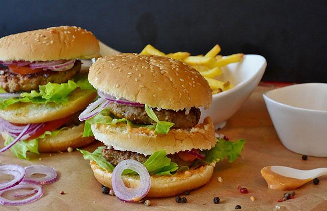 Coronakrise bricht Jahre des Wachstums in der Fast Food-Branche