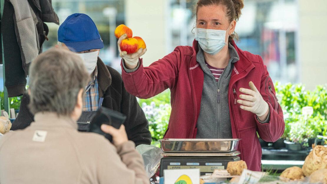 Tiroler Experte stellt Masken mit Ende Mai infrage