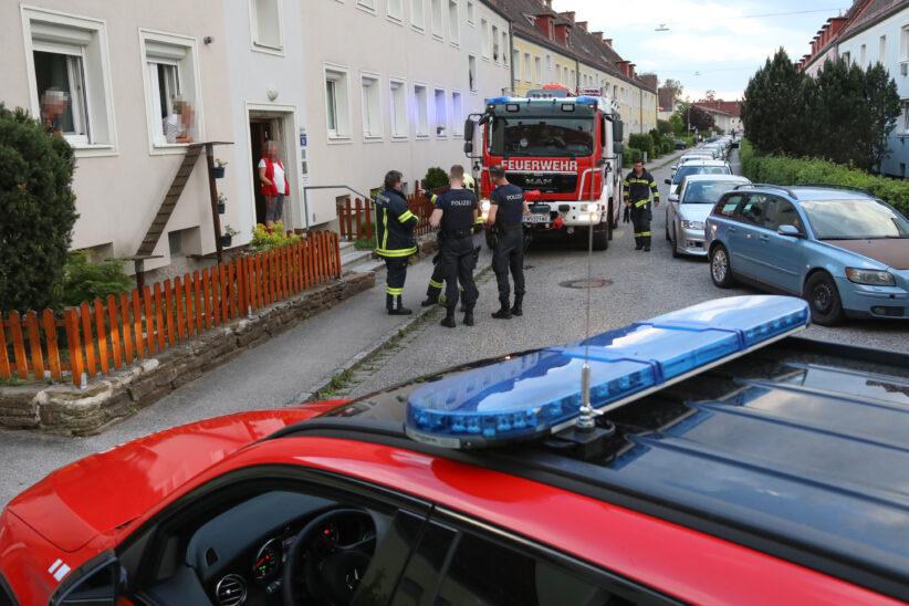 Einsatz in Wels-Vogelweide: Mieter täuschte Brand in seiner Wohnung vor, um ins Haus zu gelangen