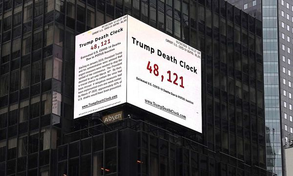 """Trump-Todesuhr"" am Times Square"