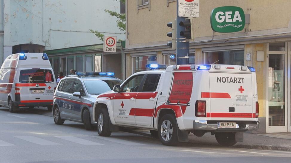 Notarzteinsatz: Verkehrsunfall mit Fußgänger in Wels-Innenstadt