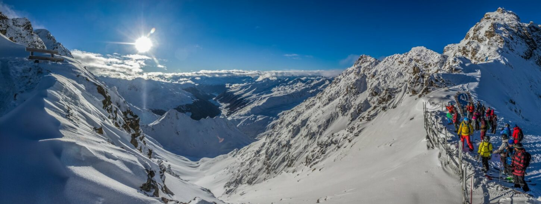 Zwei Tiroler Gletscher melden sich mit Skibetrieb zurück