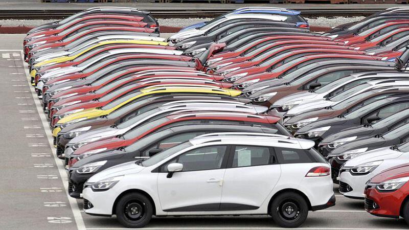 Autohandel Historischer Einbruch, hohe Rabatte, holprige Erholung