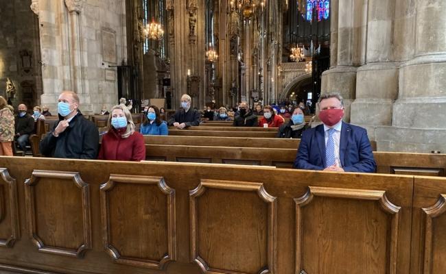 Schönborn feierte ersten Gottesdienst seit Kirchenschließungen
