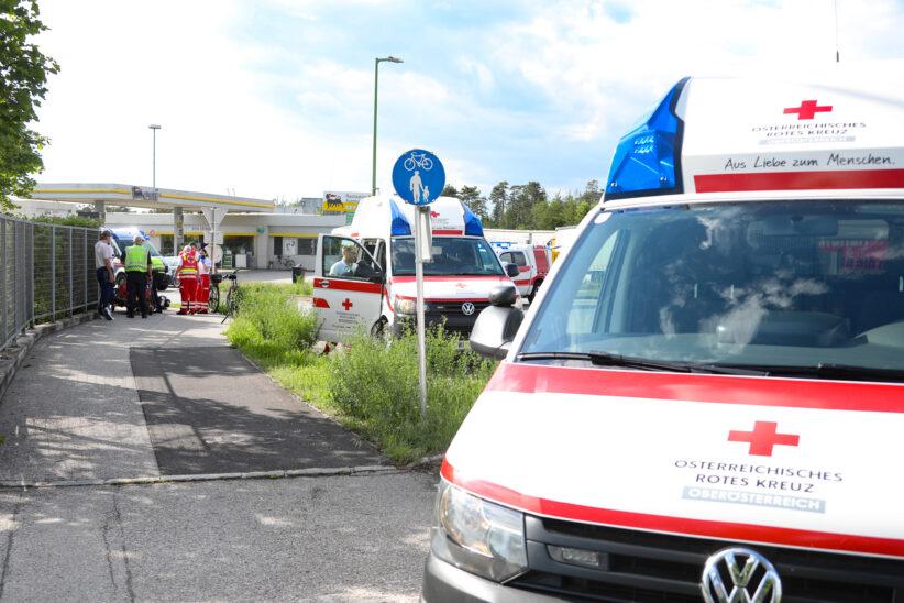 Kollision zwischen E-Bikerin und Radfahrer in Wels-Puchberg fordert zwei Leichtverletzte