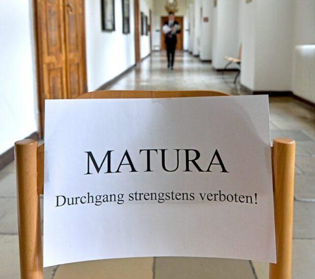 Unmut über handschriftliche Deutsch-Zentralmatura in OÖ
