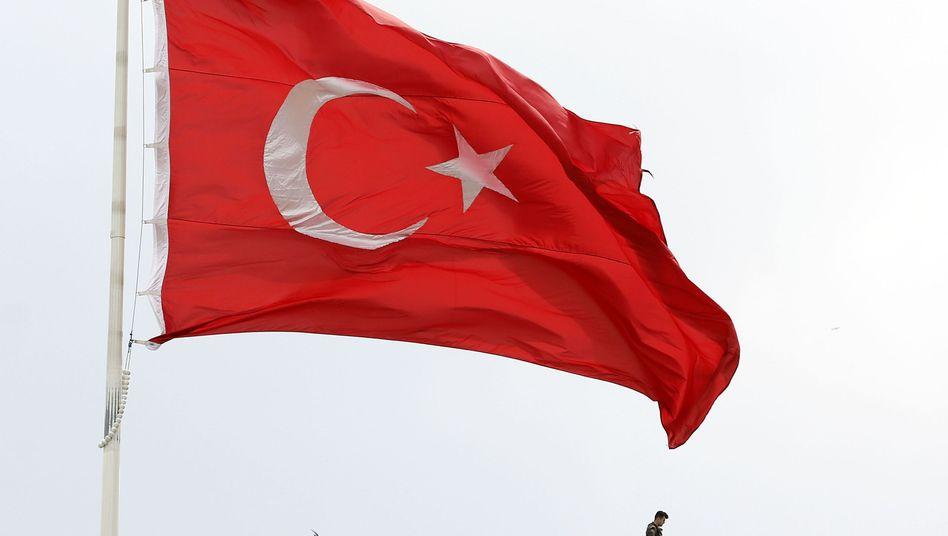 70 angebliche Terrorverdächtige in der Türkei festgenommen