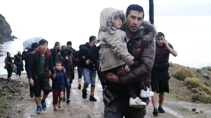 Corona stellt Flüchtlingskrise bei Medienpräsenz in Schatten
