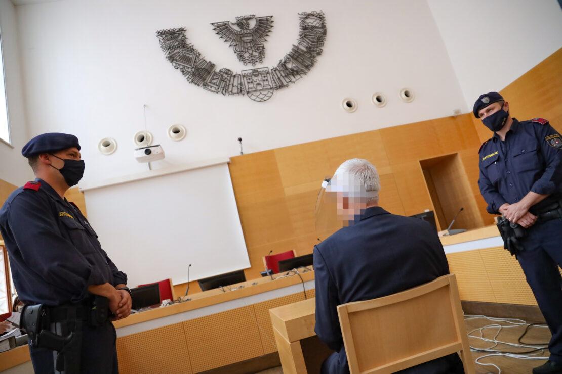Urteil: 13 Jahre Haft und Einweisung in Anstalt bei Prozess gegen Arzt wegen Missbrauchsvorwürfen