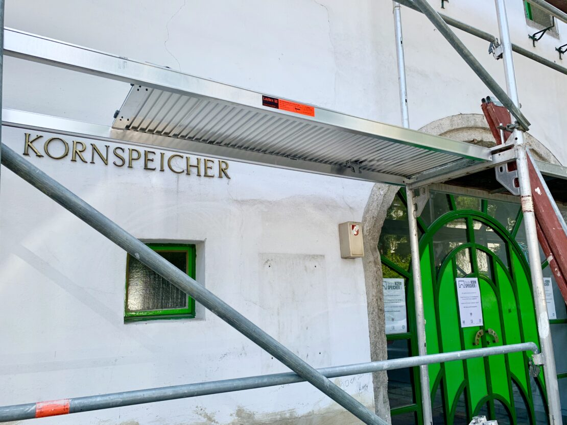 Durchgang Theater Kornspeicher vorübergehend gesperrt.