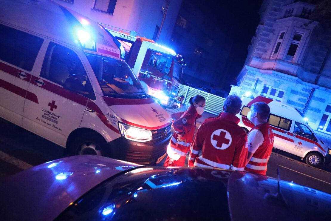 Größerer Einsatz aufgrund von angebranntem Kochgut in einer Wohnung in Wels-Innenstadt