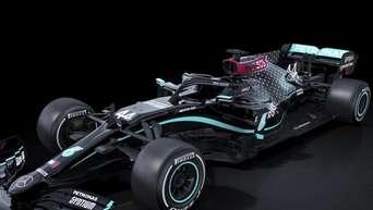 Schwarze Lackierung für Mercedes-Boliden