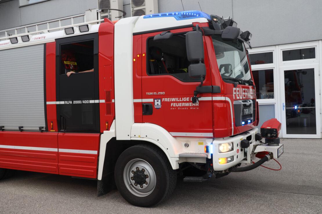 Nachkontrolle nach Kleinbrand in einem Geschäftslokal in Wels-Neustadt