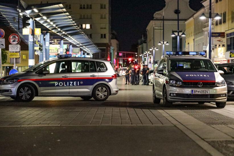 Hochzeitsgesellschaft narrt in Wels zu später Stunde Polizei