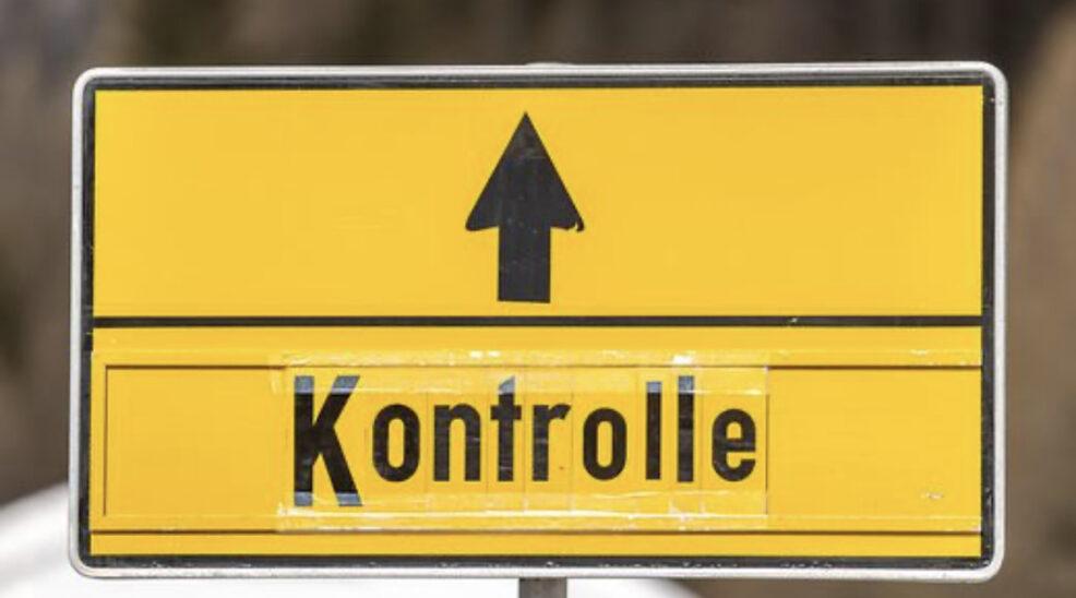 Österreich verhängt Reisewarnungen und verschärft Kontrollen