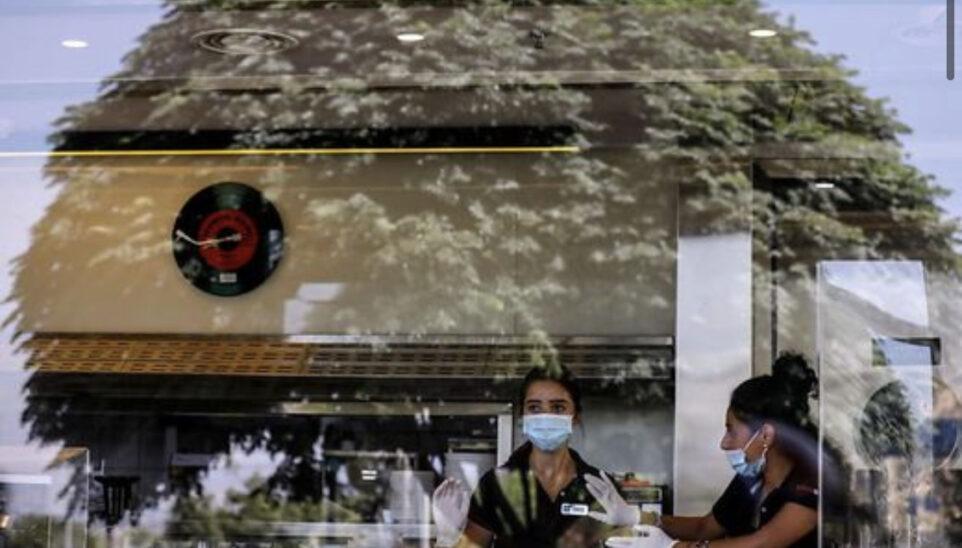 Israel meldet wieder Rekordwert an Neuinfektionen