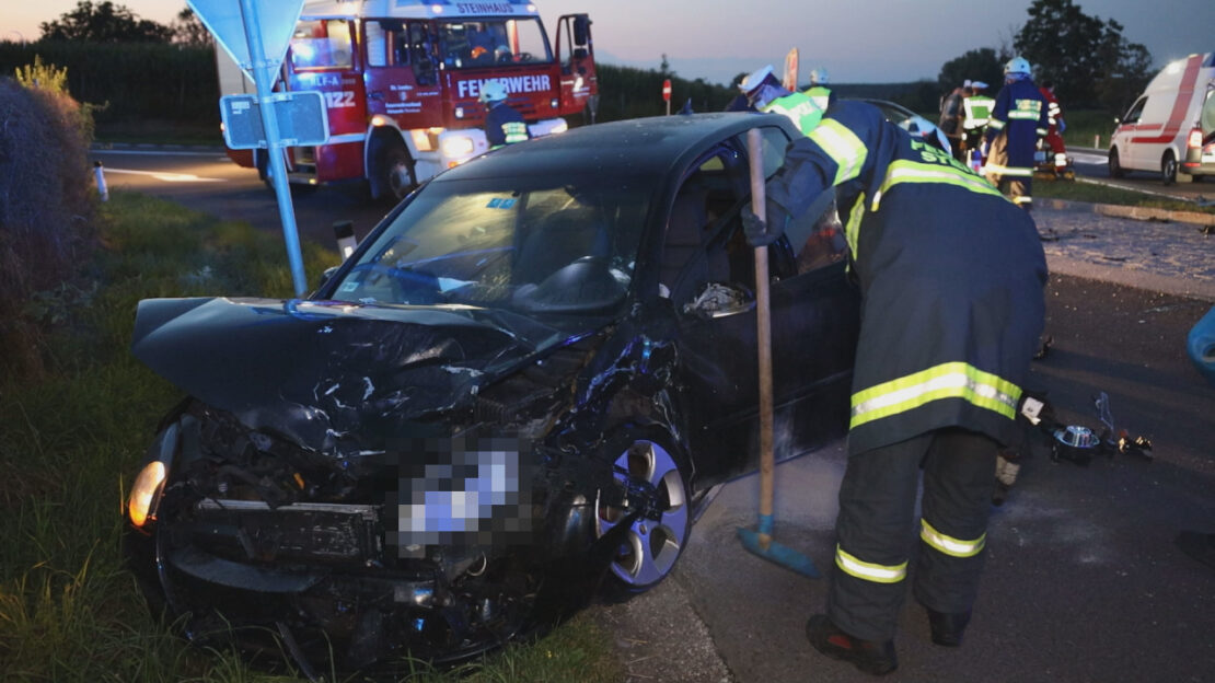 Vier Verletzte bei schwerem Crash auf Pyhrnpass Straße in Steinhaus