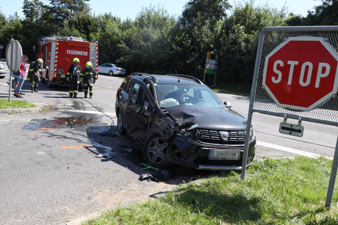 Drei Verletzte bei Kreuzungscrash in Pichl bei Wels
