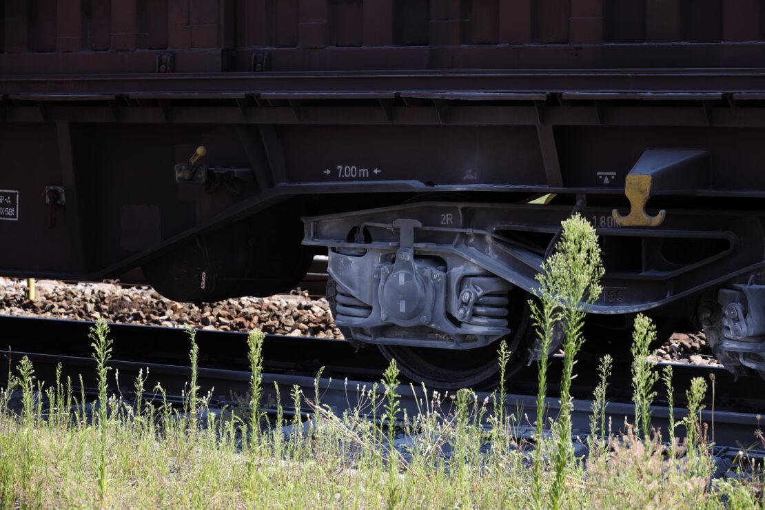Brand einer Bremse eines Güterzugwaggons in Marchtrenk sorgt für Einsatz der Feuerwehr