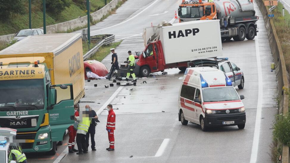 Schwerverletzter bei Crash auf Innkreisautobahn bei Wels-Lichtenegg