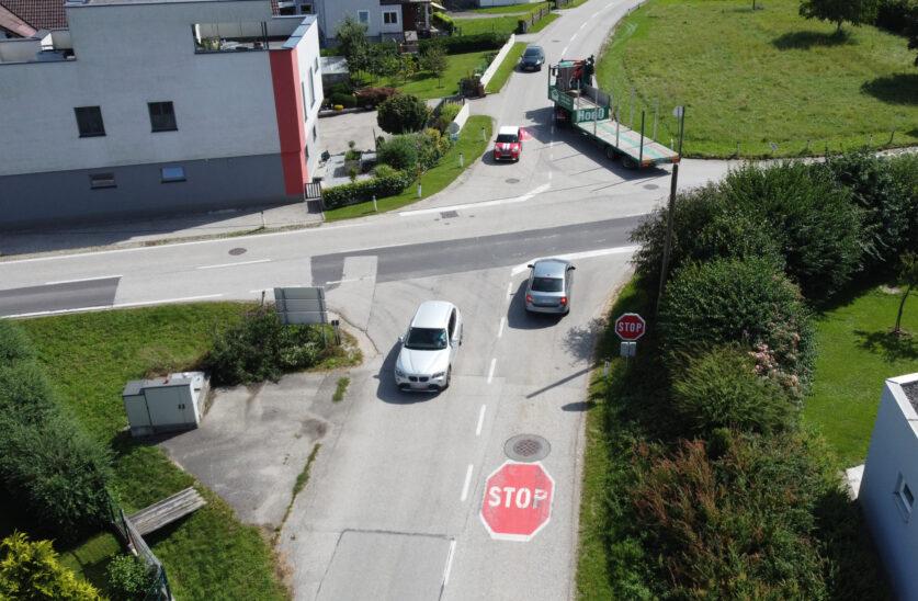 Kreuzung in Steinerkirchen an der Traun soll nach Unfall mit tödlichem Ausgang nun überprüft werden