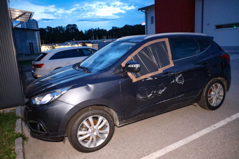 Verfolgungsjagd: Autolenker flüchtet nach Crash kurzzeitig mit Notarztwagen von Unfallstelle