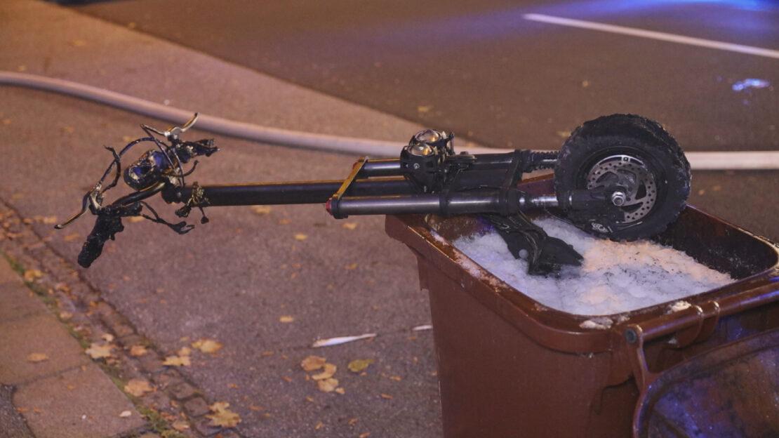 Wohnung in Vollbrand: E-Scooter dürfte Brand in Wels-Innenstadt ausgelöst haben