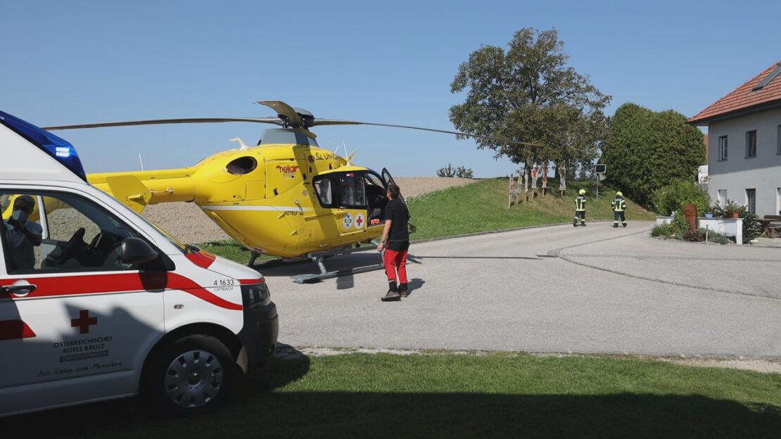Personenrettung: Verletzte Frau in Offenhausen durch Feuerwehr von Silo gerettet