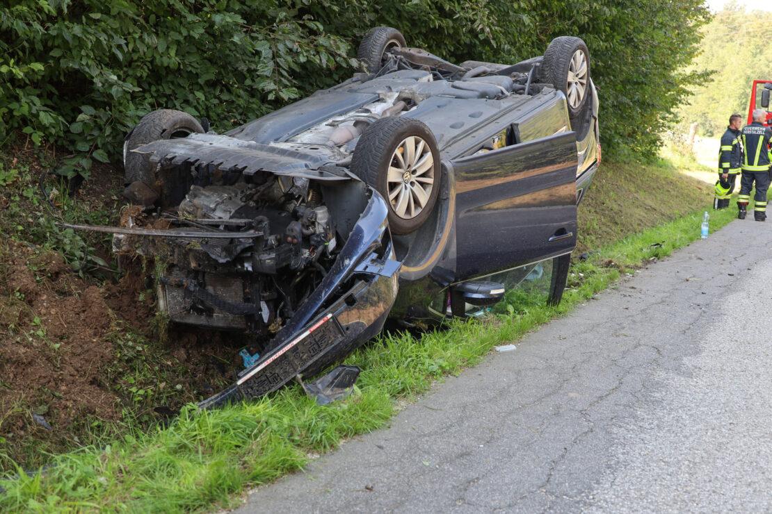 Autoüberschlag bei Eberstalzell endet glimpflich