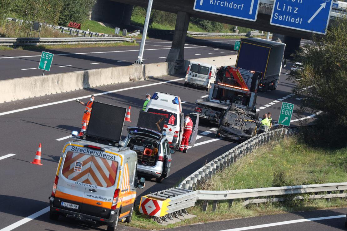 Verkehrsunfall: Autoüberschlag auf Innkreisautobahn beim Knoten Voralpenkreuz in Sattledt