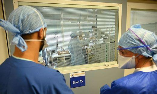556 Neuinfektionen, mehr als 450 Spitalspatienten