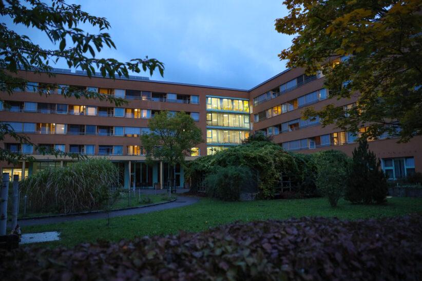 Corona-Cluster: 37 Infektionen in einem Alten- und Pflegeheim in Wels-Neustadt