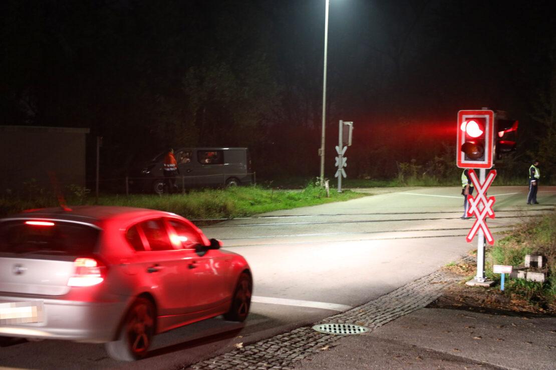 Störung an einem Bahnübergang in Thalheim bei Wels sorgte für längeren Stau