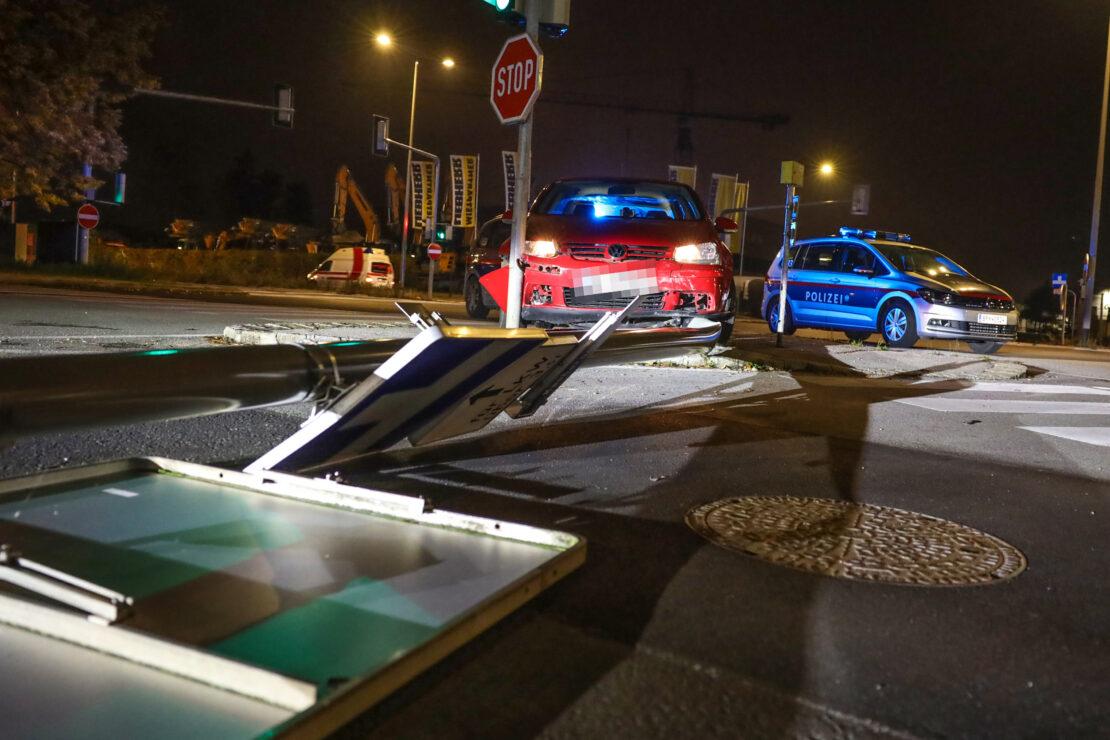 Verfolgungsjagd eines Alkolenkers mit der Polizei endet in Wels-Pernau mit Unfall und Festnahme
