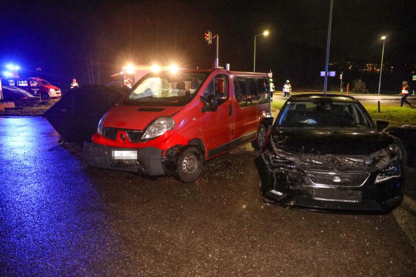 Kreuzungscrash in Thalheim bei Wels endet glimpflich