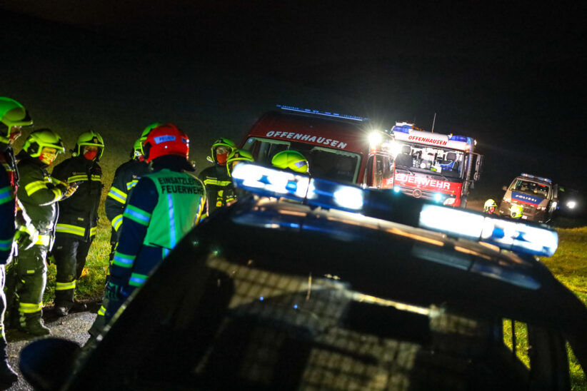Abgängige Person bei Suchaktion in Offenhausen von Einsatzkräften der Feuerwehr gefunden