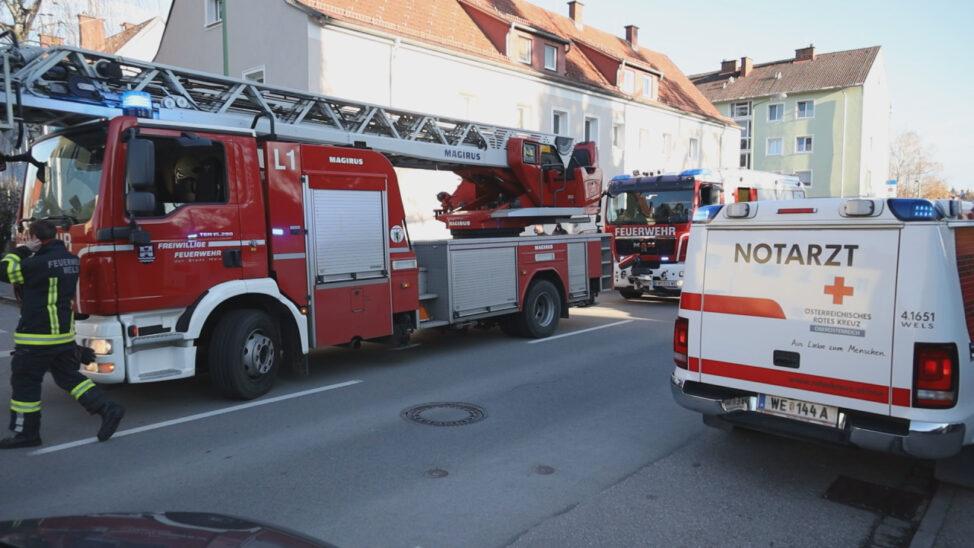 Küchenbrand in Wels-Vogelweide fordert einen Verletzten