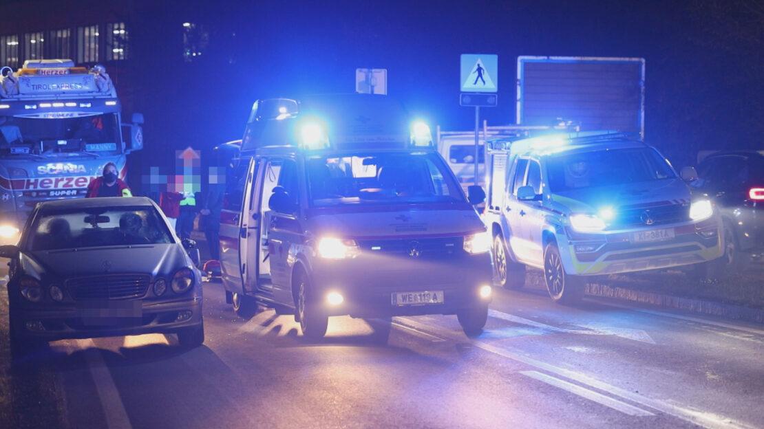 Fußgänger auf Pyhrnpass Straße in Sattledt von PKW erfasst und schwer verletzt