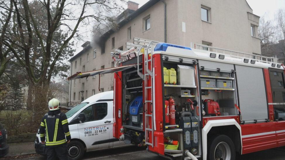 Brand in einer Wohnung in Wels-Neustadt fordert einen Verletzten