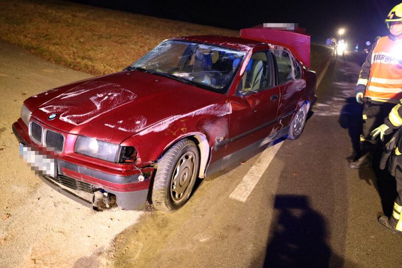 Autoüberschlag bei Verkehrsunfall in Steinerkirchen an der Traun endet glimpflich