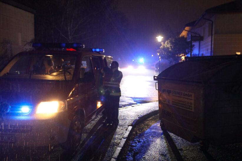 Personenrettung in Wels-Pernau: Mädchen steckte mit Kopf in Toilettenaufsatz fest