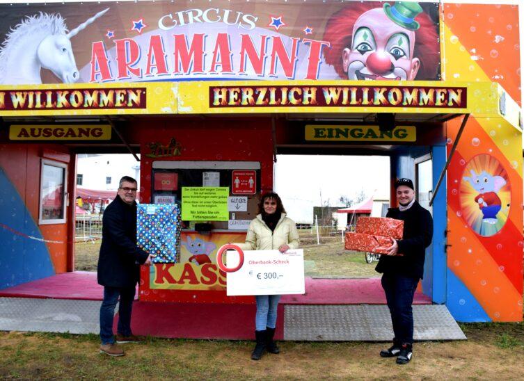 Weihnachtsunterstützung der Marchtrenker Jugend für gestrandeten Zirkus