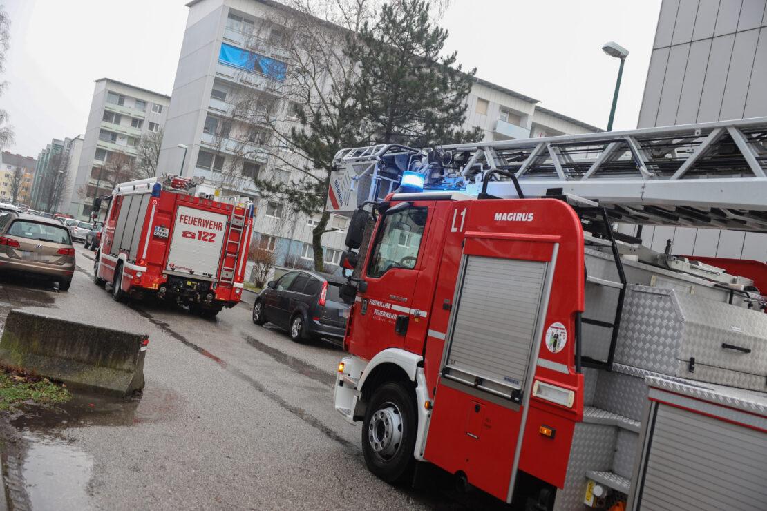Erneut Einsatz der Feuerwehr in Wels-Lichtenegg aufgrund von angebranntem Kochgut