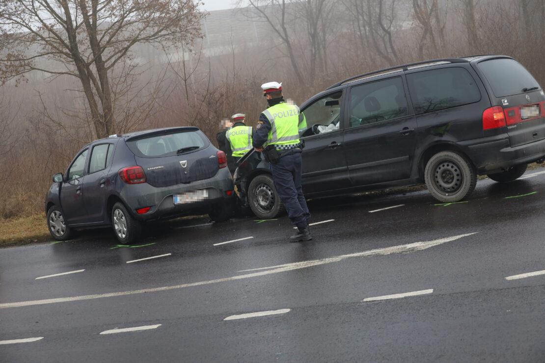 Glücklicherweise nur kleiner Crash statt gemeldeter Massenkarambolage bei Weißkirchen an der Traun
