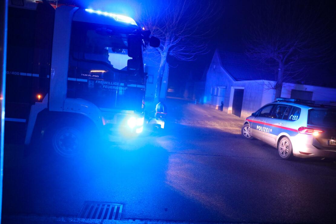 Einsatz nach Brand eines Adventkranzes in einem Wohnhaus in Wels-Pernau