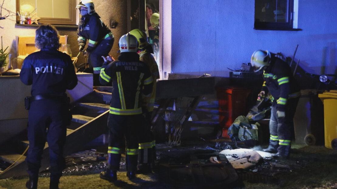 Brand bei Wohnhaus in Wels-Puchberg sorgt für Einsatz der Feuerwehr