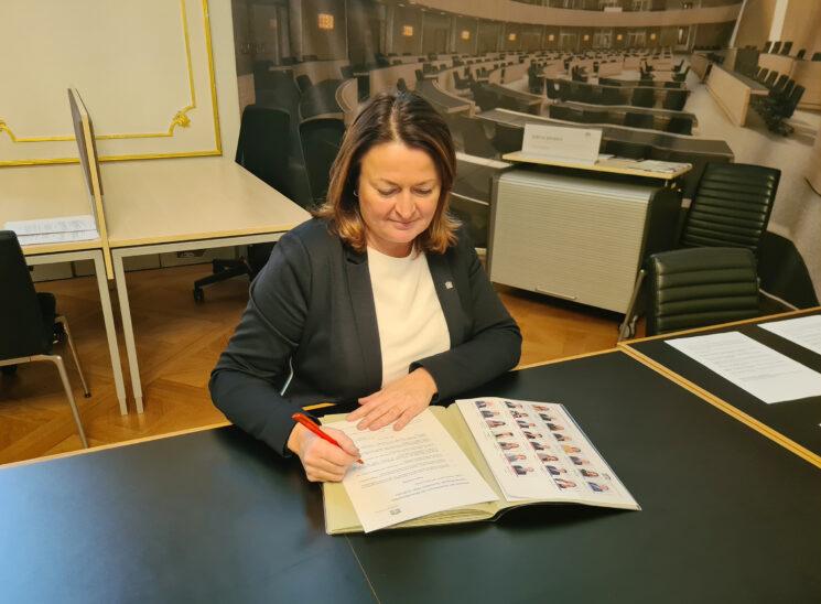 """Petra Wimmer und SPÖ für """"Anti-Corona-Zentren"""" in Wels und Wels-Land"""