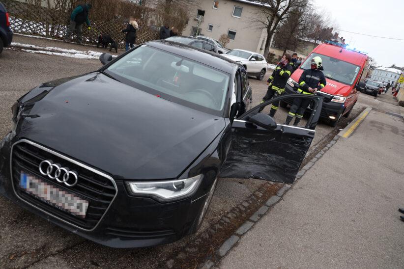 Heftiger Kreuzungscrash in Wels-Neustadt fordert mehrere Leichtverletzte