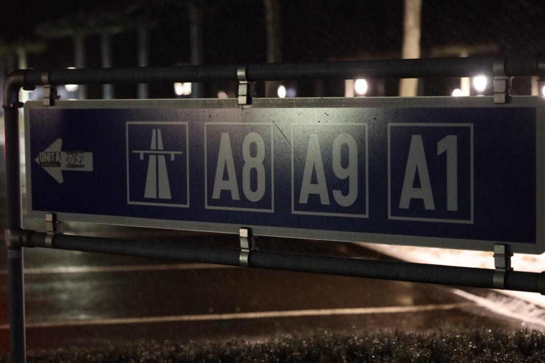 Defektes Auto auf Innkreisautobahn vernebelte Autobahntunnel und löste Feuerwehreinsatz aus