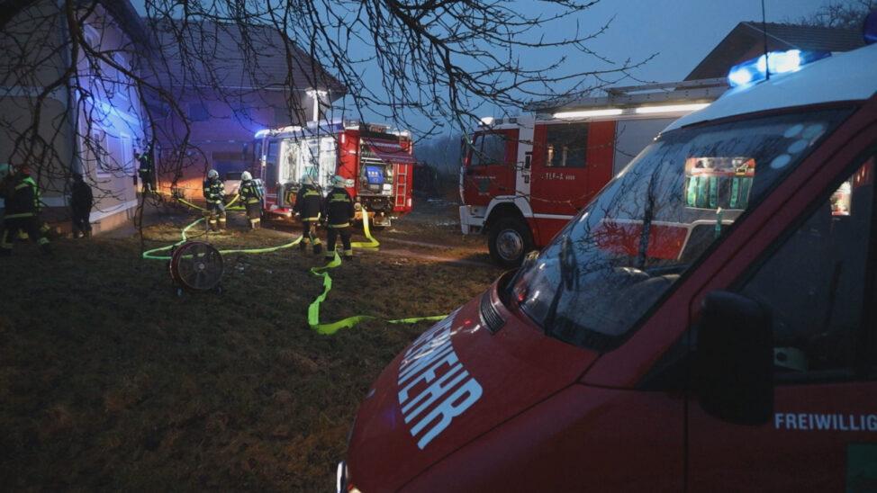 Kellerbrand in Sattledt sorgt für Einsatz der Feuerwehr